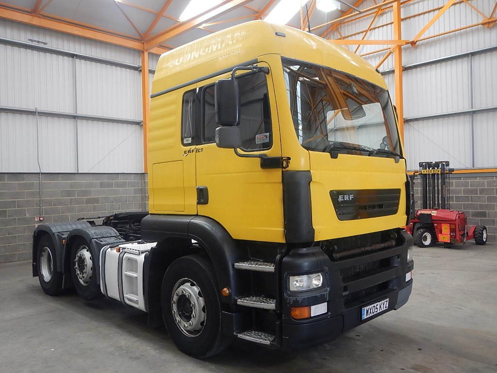 44a4b41a0c ERF ECT HIGH ROOF 6 X 2 TRACTOR UNIT - 2005 - WX05 KYZ